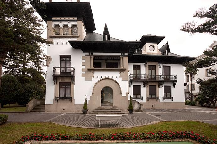 http://www.palacioarias.es/wp-content/uploads/2016/02/palacio-arias.jpg