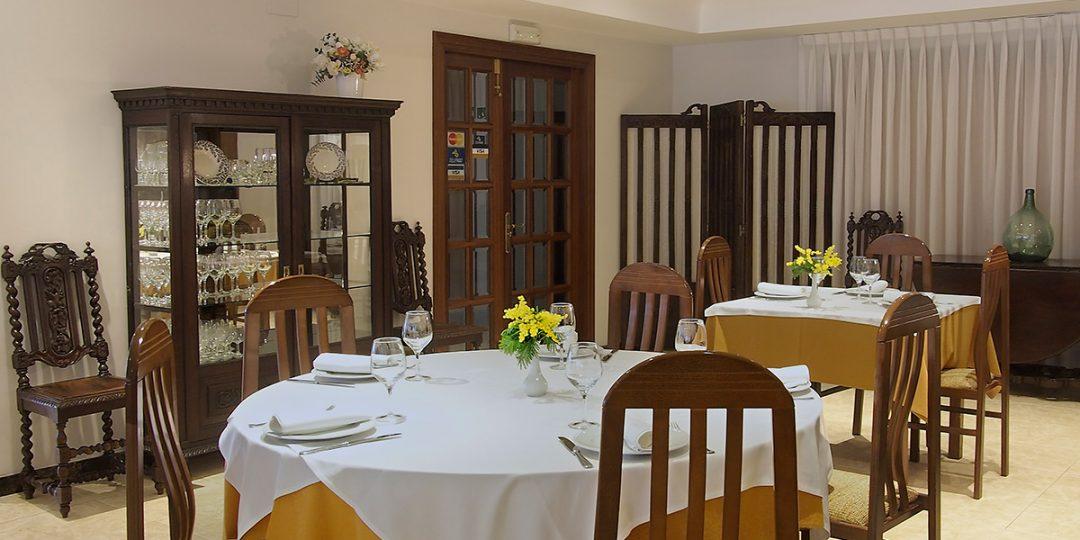 http://www.palacioarias.es/wp-content/uploads/2016/12/Hotel5-1080x540.jpg
