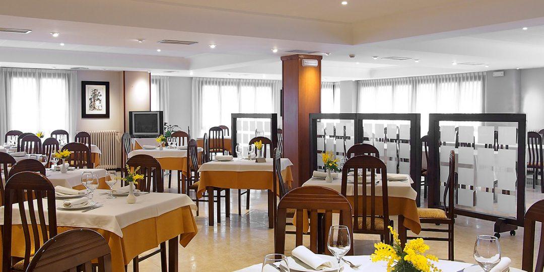 http://www.palacioarias.es/wp-content/uploads/2016/12/Hotel6-1080x540.jpg
