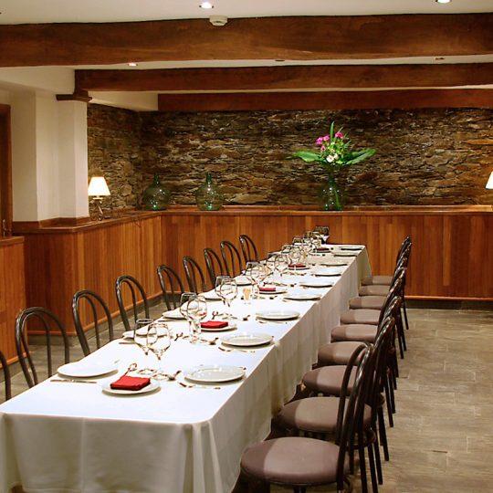 http://www.palacioarias.es/wp-content/uploads/2016/12/Hotel7-540x540.jpg